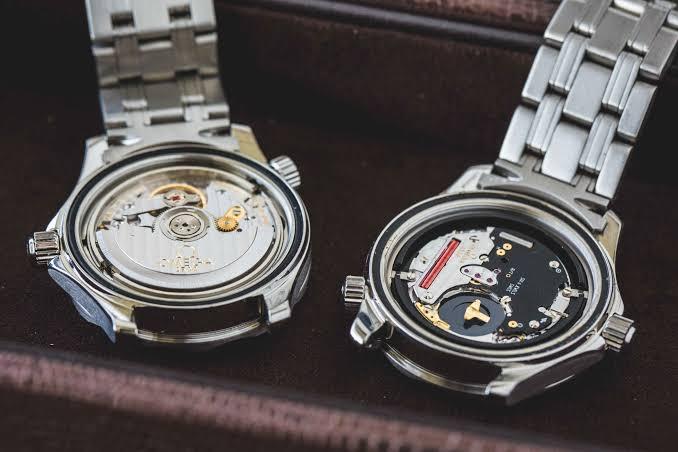 20th Wedding Anniversary Gift Ideas for Husband: Quartz Movement Watch